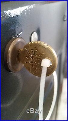 MILLS Slot Machine 5 cent Lion Head Circa 1931 Rare Machine