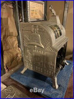 Mills 1910 Operators Bell Slot Machine