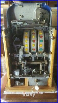 Mills 25 Cent Slot Machine Nice Works Great Amazing Condition Antique 1940's