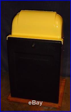 Mills 25-cent DEUCES WILD hi-top antique slot machine, 1950