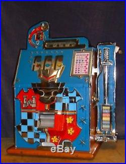 Mills 5c CASTLE FRONT antique slot machine WITH ORIGINAL SIDE VENDER, ca 1937