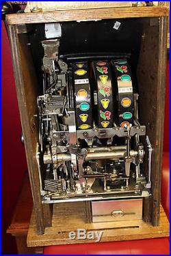 Mills Brooklands 25 cent coin op Slot Machine Black Beauty Restored