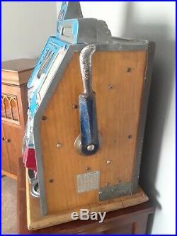 Mills Castle Front 10 cent Antique Slot Machine