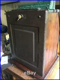 Mills Castle Front Ten Cent Slot Machine