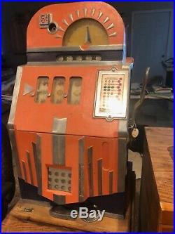 Mills Futurity Slot Machine 5cent 1937