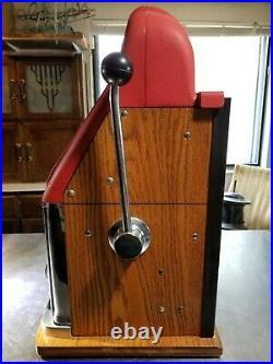 Mills High Top slot machine