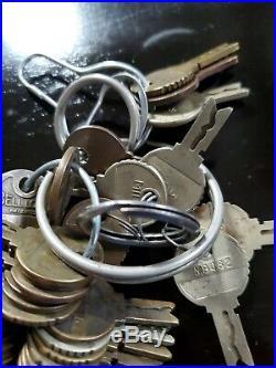 Mills Novelty Co Antique Slot Machine Trade Stimulator Coin Op Keys Bellock