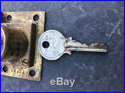 Mills Novelty Yale Slot Machine Door Lock With Original Key Early Pre 1922