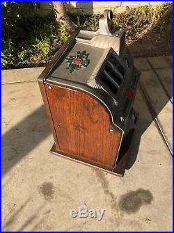 Mills Pointsetta 25 Cent Slot Machine Original