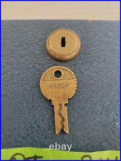 Mills Slot Machine QT Back Door and Lock came Off Hashmark