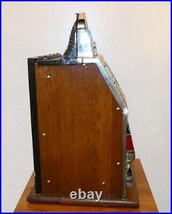 Mills War Eagle Nickle Slot Machine 1930's with Keys