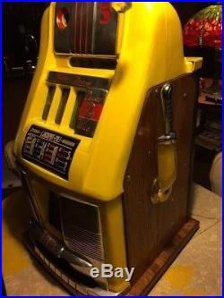 Mills Wild Deuce High Top Slot Machine Plays Well
