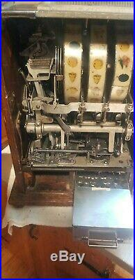 Mills poinsettia slot machine 5 cent