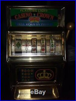 Nice Vintage Casino Crown 25 Cent Slot Machine WACO Collectible Made In Japan