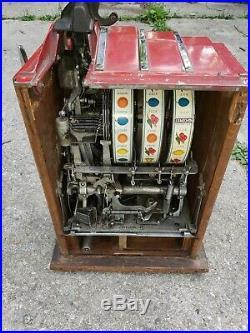 Old Antique PACE COMET 25 cent SLOT MACHINE. Works