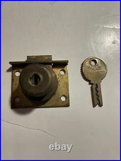 Original Mills Slot Machine Lock And Key
