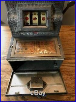 Puritan Bell Slot Machine