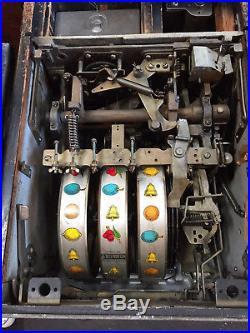 Slot Machine ANTIQUE MILLS 10 CENT BLACK CHERRY SLOT MACHINE