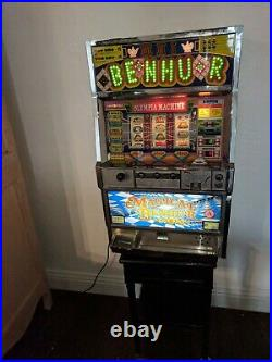 Slot Machine English/Japan withKeys Quarters or Tokens (250 Tokens) Works%