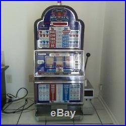 Slot Machine-Nickel slot machine Flamingo Blue slot machine withStand, Works