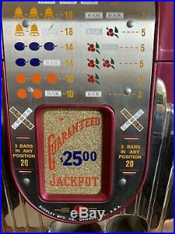 VINTAGE BUCKLEY 25 CENT ANTIQUE SLOT MACHINE, CIRCA 1940s WELL TUNED AND SERVICE