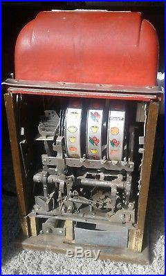 Vintage 1940's Mills High Top 25 cent Quarter Slot Machine