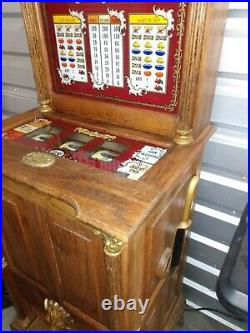 Vintage 25¢ Victorian Slot Machine
