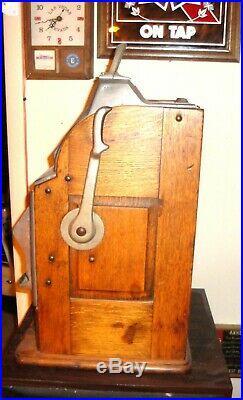 Vintage 5 Cent Slot Machine Pace Mfg Chicalo Illinoise Used