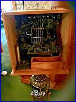 Vintage 5 cent Caille Ben Hur Slot Machine