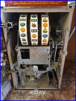 Vintage Ballys slot Machine 25 cent 5 line machine works GOLDEN NUGGET 873