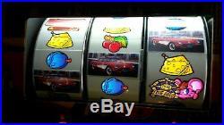 Vintage CORVETTE SLOT MACHINE COLLECTABLE Casino 200 TOKENS Slot Machine C1