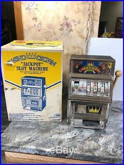 Vintage Casino Crown 25 Cent Slot Machine Gambling Antique w Original Box Works