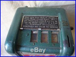Vintage IMP Trade Stimulator Gum Ball / Cigarette Slot Machine 1940's