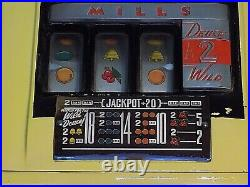 Vintage MILLS 5 CENT SLOT MACHINE In Good Working Condition. Ca 1940 1950