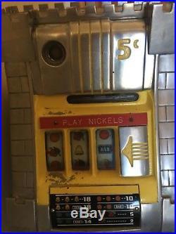 Vintage Manual Nickel Slot Machine, Kings Castle 1960s 70s