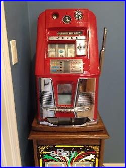 Vintage Mills 25 Cent Slot Machine With Lighted Stand