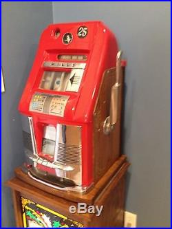 Vintage Mills 25 Cent Slot Machine With Stand