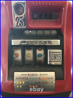 Vintage Mills 25 Cent Slot Machine withKey Excellent Working Condition