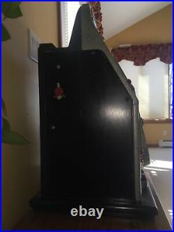 Vintage Mills 5 cent Slot Machine