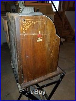 Vintage Mills Antique Wooden Sided. 25 Cent Slot Machine
