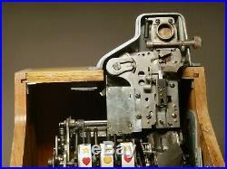 Vintage Mills Novelty Company Nickel Slot Machine