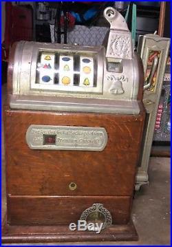 Vintage Slot Machine Must SEE