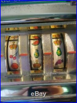 Vtg. Casino Crown 25 Cent Slot Machine Bell Rings/Lights Flash Made In Japan